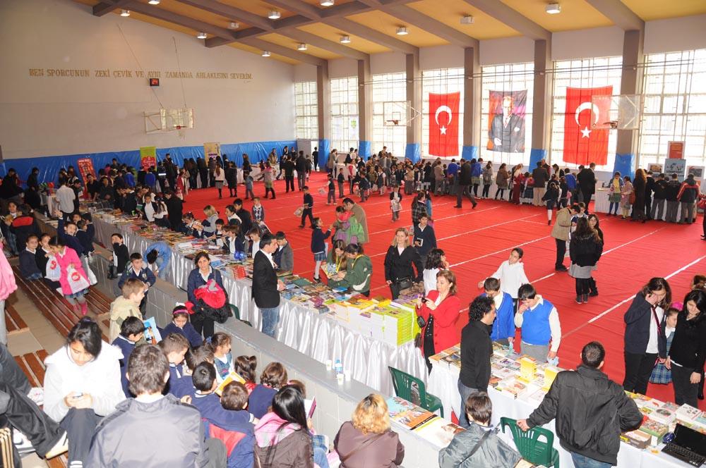 Kadıköy Anadolu Lisesi Kitap Fuarı 30- 31 Mart 2011